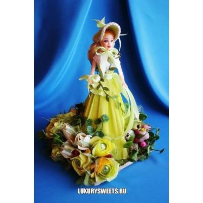 Кукла из конфет Елизавета