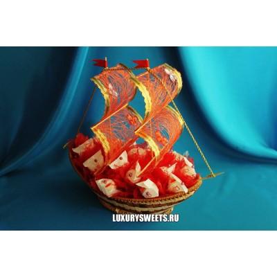 Корабль из конфет Малибу