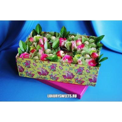 Композиция из конфет Десертная коробка