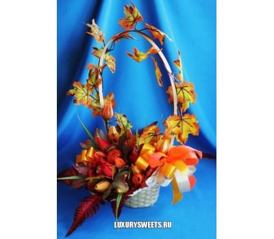 Корзина из конфет Осенний листопад