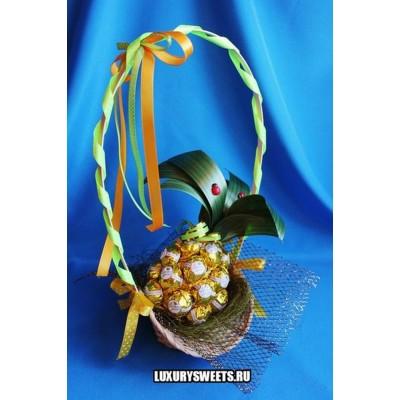 Композиция из конфет Золотой ананас