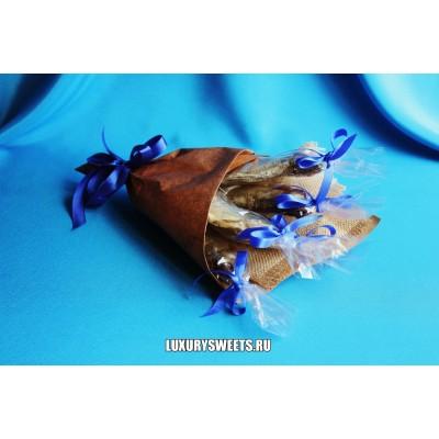 Мужской букет-закуска из вяленой рыбы  Для рыбалки