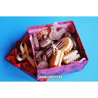 Композиция из мыла Сладости в коробке Домино