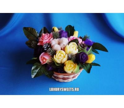 Корзина из мыла ручной работы Южные розы Новогодние 2