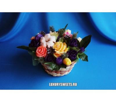 Корзина из мыла ручной работы Южные розы Новогодние