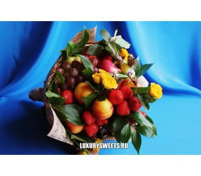 Букет из фруктов и роз Огни большого города