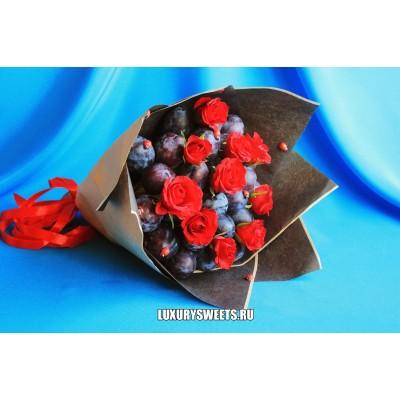 Букет из фруктов и роз Очарованный сад