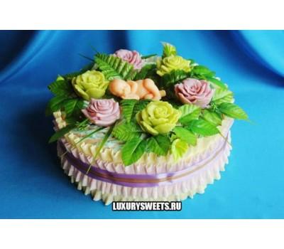 Торт из памперсов Цветочный малыш