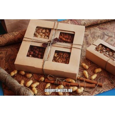 Подарочный набор из орехов Комплимент в коробке 6