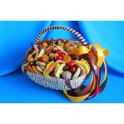 Корзина из орехов и сухофруктов Вкусные традиции 2