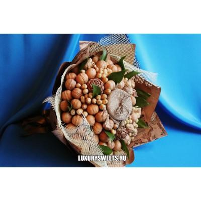 Букет из орехов Сибирский гостинец
