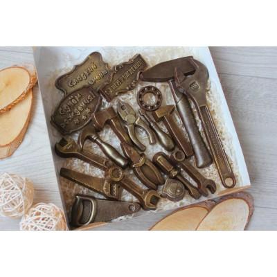 Набор из шоколада ручной работы Дарим инструменты 200 г
