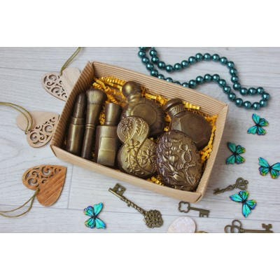 Набор из шоколада ручной работы Женские штучки 110 г