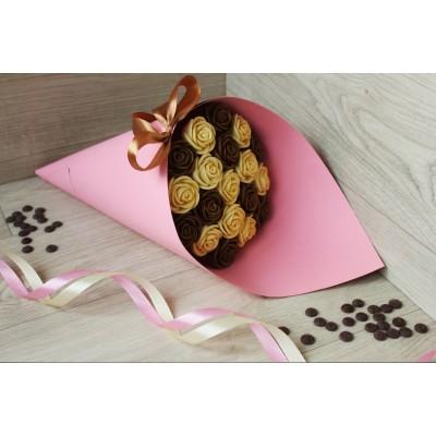 Букет из шоколадных роз Азалия 19шт (БМ)