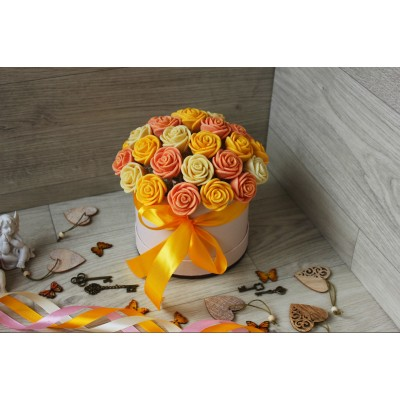 Шляпная коробка из шоколадных роз Виктория 29шт (БЖП)