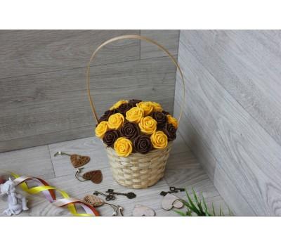 Корзина из шоколадных роз Новелла 21шт (МЖ)